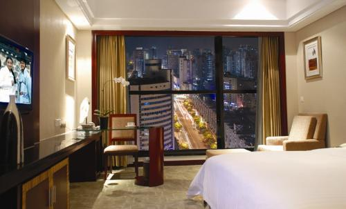 night-view business room (king bed)