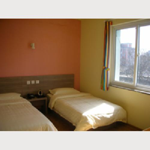 Standard twin Room with bathroom, TV, air-conditioning
